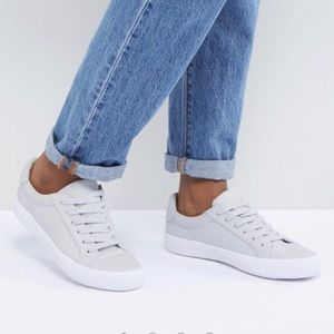 ASOS Sneakers 5.5M